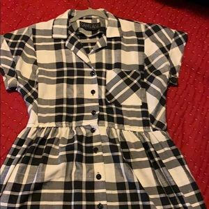 Dresses & Skirts - Black and white plaid button front dress